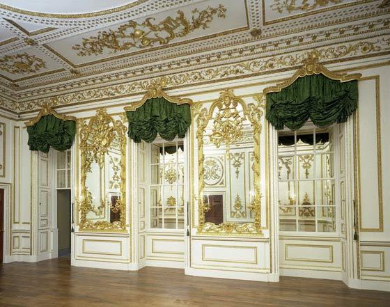 Let s go rococo a decorative affair for Rococo decorative style