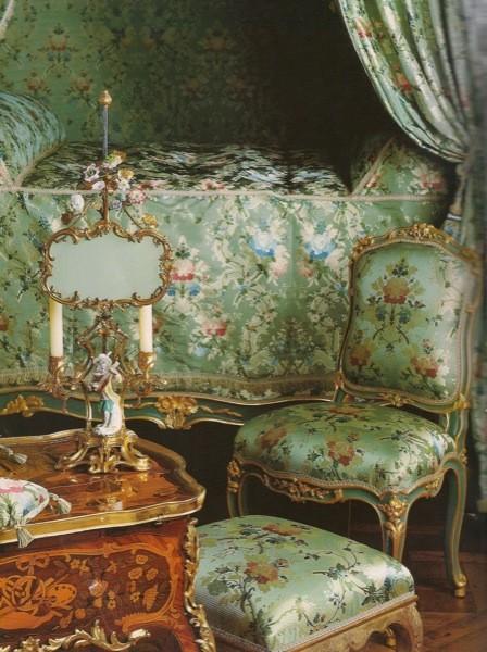 rococo pompadour bedroom