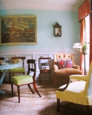 Cosy seats by the window, an easy table and playful palette