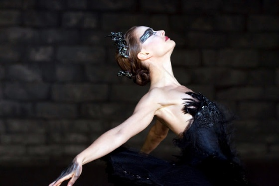 Black-Swan_Natalie-Portman-black-ballet_Image-Credit-Fox