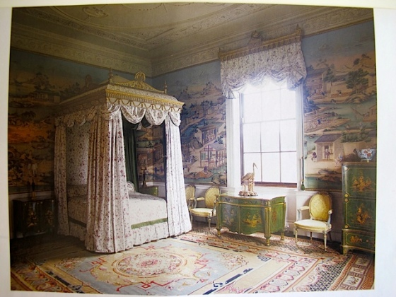 chintz bed chinese wallpaper