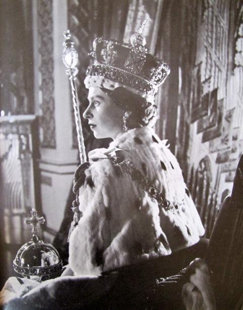 queen elizabeth cecil beaton