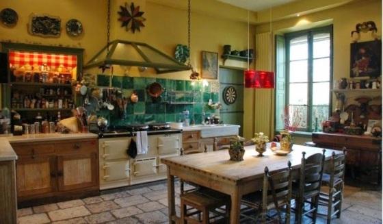 Chateau-de-Primard-France-Catherine-Deneuve-2014-habituallychic-006