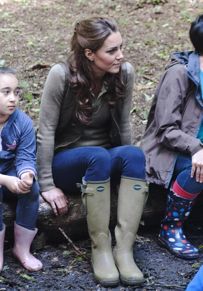 kate-middleton-and-zara-basic-sweater-gallery